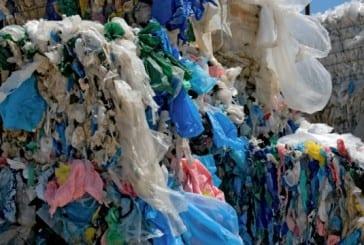 Ilhas De Plástico: Longe Da Vista, Longe Do Coração